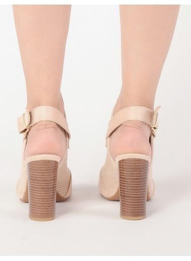 Mecrea Kalın Topuklu Sandalet Ten